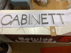rotulo corporeo Cabinett