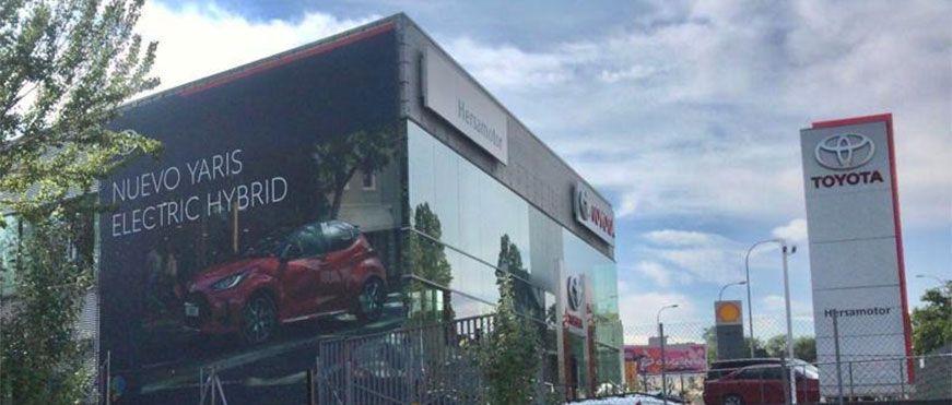lona gigante Toyota