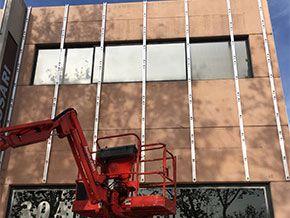 rotulación fachadas panelado