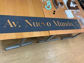 Rótulo PLANCHA DE ACERO CALADA PARA SEÑALÍTICA DE COMUNIDAD DE PROPIETARIOS